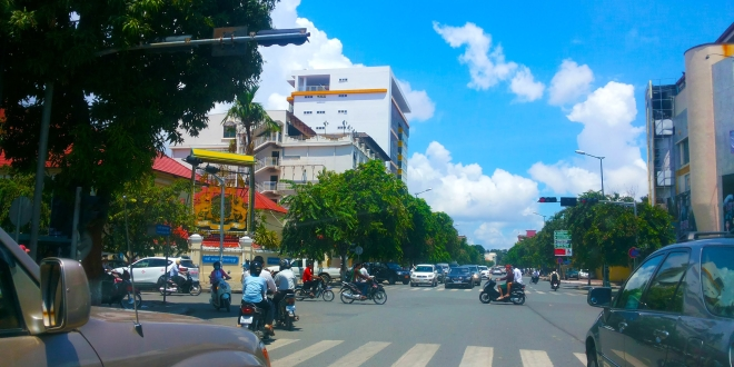 Asian Travel – Phnom Penh Streets At Lunch Time – Youtube